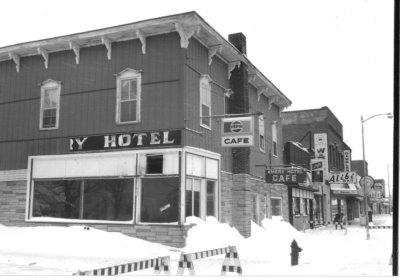 "A historic building with a sign reading ""hotel"""